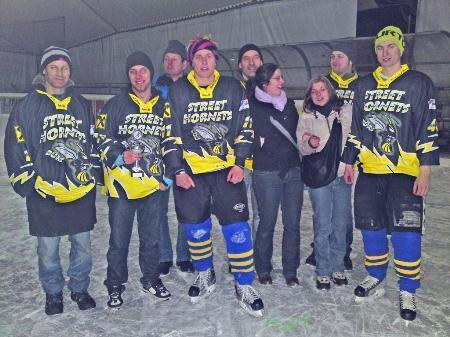 Skaterclub Bürs schlüpfte in Eislaufschuhe.