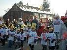Als fleißige Handwerker zogen die Kindergartenkinder durchs Dorf.