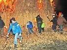 Am Funkensonntag setzen die Schüler um 19:30 Uhr den Fußacher Funken in Brand.