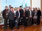 """Mitglieder des länderübergreifenden Netzwerks """"BodenseeMeeting"""" bei ihrem jüngsten Treffen in St. Gallen (Fünfter von links ist Festspielhaus-Geschäftsführer Gerhard Stübe). Zum Netzwerk gehören seit kurzem sieben neue Tourismus-Partner."""