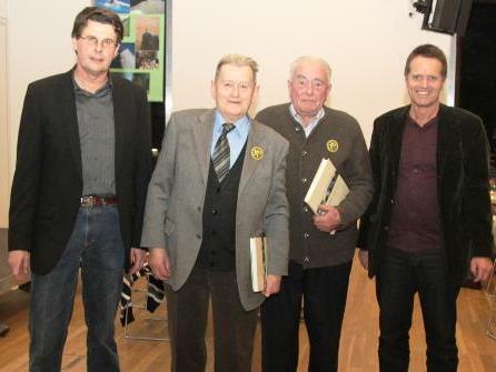 Obmann Dietmar Huchler und die Jubilare Walter Klien und Karl Walser sowie Finanzreferent Helmut Armellini (v. l.).