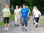 Bei Nordic Walking purzeln bis zum Muttertag die Kilos.