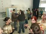 Bild: Schülerinnen und Schüler informierten die zahlreichen Besucher des Infotages an der KPS Rankweil.