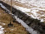 Die Erhaltung des Maria-Grüner Rieds ist nur durch eine entsprechende Bewirtschaftung der Streueflächen durch die Landwirte möglich.