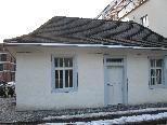 Die ehemalige Mikwe befindet sich vor der einstigen israelitischen Schule im Zentrum von Hohenems