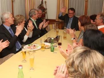 Ernst Hagen ließ sich von der eigenen Fraktion nach verlorener Wahl Mut zusprechen. Die FPÖ muss jetzt herausfinden, wie Opposition schmeckt.