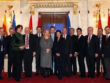 In Vertretung von BM Spindelegger hieß Generalsekretär Johannes Kyrle im Außenministerium in Wien die Vertreter der Landtage willkommen.