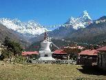 Kloster Tengboche - im Hintergrund: Everest, Lhotse - rechts: Ama Dablam