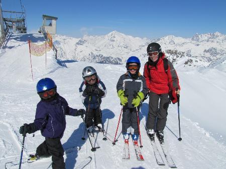 Montessorizentrum Oberland erlebte zwei tolle Skitage am Sonnenkopf.