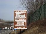 Neue Kulturtafeln entlang der Autobahn.