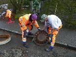 Schwerarbeit bei Kanalsanierung