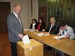 Thomas Hagen bei der Stimmabgabe.