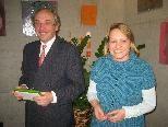 Univ. Prof. Dr. Raimund Jakesz mit Ingeborg Wirtitsch, Obfrau Verein Schneeflöckchen