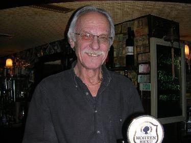 Vor wenigen Wochen zapfte Heinz Bischof das letzte Bier.