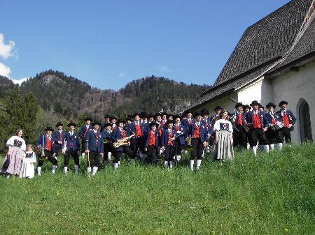 Am Tag der Blasmusik marschiert die Dorfmusik durchs Dorf.