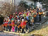 Die Erstkommunionkinder waren die Jüngsten, der insgesamt 54 Rätschkinder von Vandans.