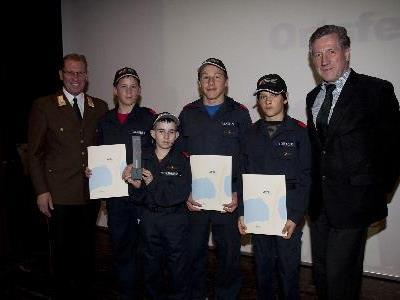 Feuerwehrjugend Außermontafon verusucht weiter Jugendliche für die Feuerwehrtätigkeiten zu motivieren.