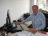 Karl Hehle an seinem alten, neuen Arbeitsplatz im Gemeindeamt Hörbranz.
