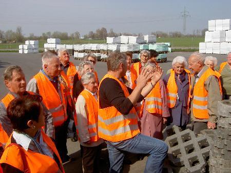 Pensionisten aus Thüringen beim Recycling Werk Häusle