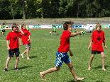 Seit einem Jahrzehnt gibt es die Faustball-Schülerliga.