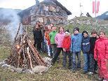 Volksschüler übernahmen Hüttendienst auf Maiensäß.