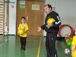 """Auch die Kinder des SCR Altach besuchen künftig die """"Ballschule""""."""