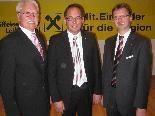 Aufsichtsrat-Vorsitzender Siegfried Kern, Vorstand Dir. Gustav Kathrein, Vorstand Dir. Hubert Gieselbrecht, von links.