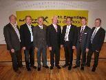 Aufsichtsrat der Raiba Leiblachtal mit K. Immler, H. Rupp, R. Ennemoser, Vorsitzender S. Kern, Dir. G. Kathrein, Dir. H. Gieselbrecht sowie Dir. Dr. J. Kessler von der Landesbank. Es fehlt DI W. Köb.