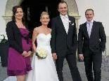 Das Brautpaar mit den Trauzeugen vor der Kirche Maria Bildstein