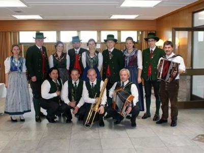 Die Folkloregruppe mit ihren Tanzeinlagen war ein tolle Gruppe.