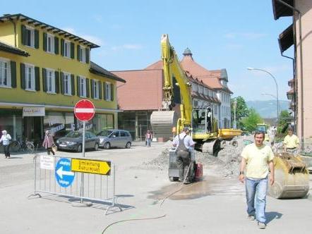 Die Rudolf-von-Ems-Straße wird beim Spital kurzfristig für den Verkehr gesperrt.