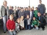 Ein Towerbesuch gehörte natürlich bei der gestrigen Flugplatzführung für die Kinder dazu.