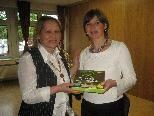 Ingeborg Wirtitsch und Christa Maria Pock informierten über die Bachblütentherapie.