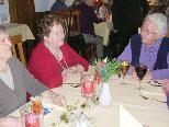 Kontakte knüpfen beim Mittagstisch für Senioren.