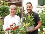 Lydia Zettler mit Küchenchef Tom Neuhold beim Rosenfest im Freihof.