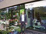 Martin Kohler freut sich, wie toll sich das neue Geschäftsleben an der Dr. Anton-Schneider-Straße gestaltet.