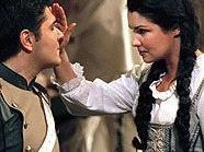 """Massimo Giordano als Don Jose und Anna Netrebko in der Rolle der Micaela in """"Carmen"""""""
