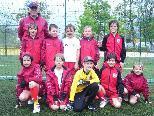 Pitschnass und stolz auf ihren Sieg, die Kicker vom U9 FC Dornbirn.