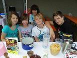 Selina, Chrise, Mario, Jakob und Celine unterstützen Pfarrkrankenpflege