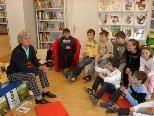 Spannende Geschichten hörten die Volksschüler von der Vorarlberger Autorin Elisabeth Ebenberger