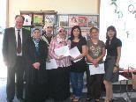 Bürgermeister Werner Huber (li) gratulierte den Teilnehmerinnen zum erfolgreichen Abschluss des Workshops