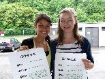 Chiara und Franziska hoffen auf viele Kunden