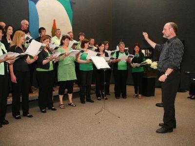 Chorgemeinschaft mit Alwin Hagen.