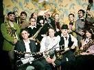 """Den Abschluß des diesjährigen Festivals bildet ab 21.30 Uhr die italienische Band """"Banda Olifante"""", die zu den fulminantesten Brass- Bands unserer Zeit zählt."""