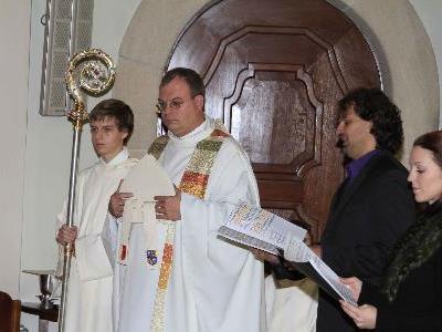 Die Feierlichkeiten zum Jubiläum der Pfarrkirche prägten die vergangenen Monate in Höchst.