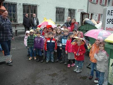 Die Kinder staunten nicht schlecht, was im Bauhof alles passiert.Foto: (Stadt Bludenz)