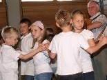 Die Mädchen und Buben zeigten verschiedene Volkstänze.