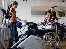 Die ambulante und tagesklinische Rehabilitation der SMO entspricht den neuesten neurowissenschaftlichen Erkenntnissen.