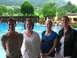 Frau Dr. Lackner, Dr. Häring, Dr. Kemmler und Dr. Kaier untersuchten und berieten im Schwimmbad Felsenau 130 Interessenten