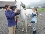 Für die Kleinen steht ein Besuch des Rheinhofs auf dem Programm.